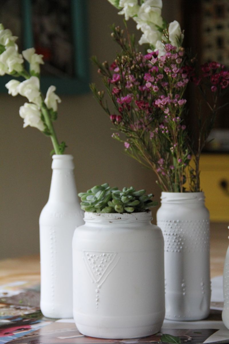 Completely Pinteresting: Spray-Painted Glass Jars « Tar-Tryin'